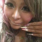 「まみぴい」こと杉森茉美 6歳娘にガングロメイク!ガングロシングルマザーのスッピンは?部屋が汚い?