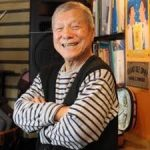 山谷初男 実家は旅館 小劇場「はっぽん館」は今どうなっている?編み物歴がすごい!